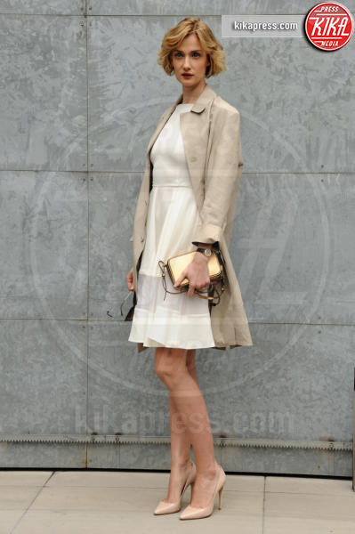 Eva Riccobono - Milano - 27-02-2016 - Milano Fashion Week: alla sfilata Armani è gara di bellezza