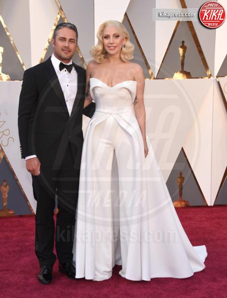 Taylor Kinney, Lady Gaga - Hollywood - 28-02-2016 - Lady Gaga si sposa, matrimonio in Italia?