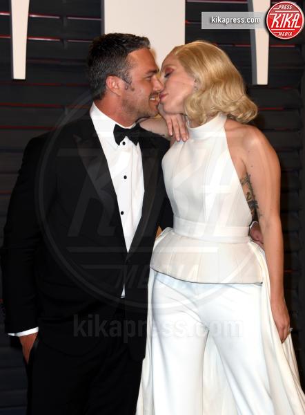 Taylor Kinney, Lady Gaga - Beverly Hills - 29-02-2016 - Lady Gaga si sposa, matrimonio in Italia?