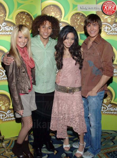 Zac Efron, Corbin Bleu, Ashley Tisdale, Vanessa Hudgens - Los Angeles - 17-12-2005 - Il ritorno di High School Musical, i protagonisti ieri e oggi