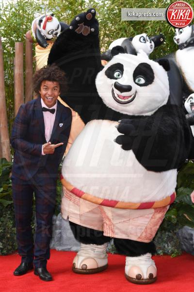 Radzi Chinyanganya - Londra - 06-03-2016 - Kate Hudson, scollature pericolose alla prima di Kung Fu Panda 3