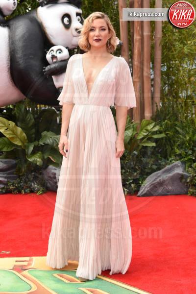 Kate Hudson - Londra - 06-03-2016 - Kate Hudson, scollature pericolose alla prima di Kung Fu Panda 3