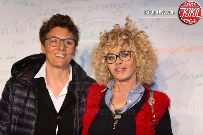 Imma Battaglia, Eva Grimaldi - Roma - 23-03-2016 - I vip di spettacolo e politica alla prima di Un Bacio