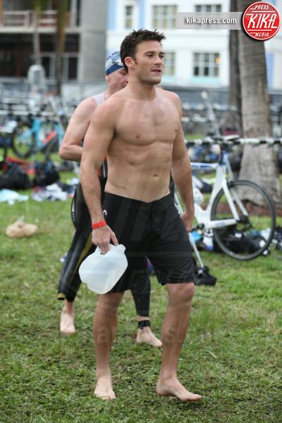 Scott Eastwood - Miami - 03-04-2016 - Scott Eastwood si denuda per una giusta causa