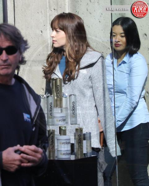 Dakota Johnson - Vancouver - 04-04-2016 - 50 Sfumature di Nero, sesso vero tra Dornan e Dakota Johnson?