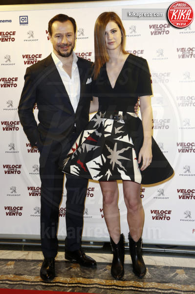 Bianca Vitali, Stefano Accorsi - Milano - 06-04-2016 - Bianca Vitali e Stefano Accorsi, coppia d'oro sul red carpet