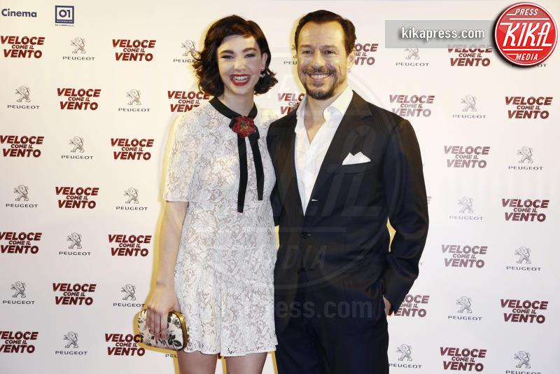 Matilda De Angelis, Stefano Accorsi - Milano - 06-04-2016 - Bianca Vitali e Stefano Accorsi, coppia d'oro sul red carpet