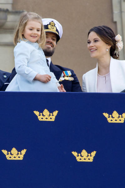 Principessa Estelle di Svezia, Principe Carlo Filippo di Svezia, Principessa Sofia di Svezia - Stoccolma - 30-04-2016 - Principessa Estelle, che barba queste feste reali!