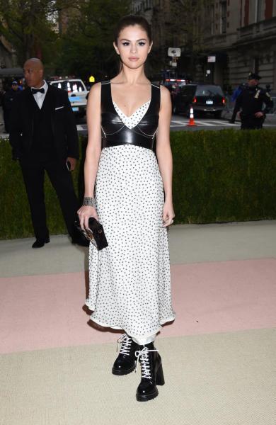 Selena Gomez - New York - 02-05-2016 - Taylor Swift argento vivo ai MET Gala 2016