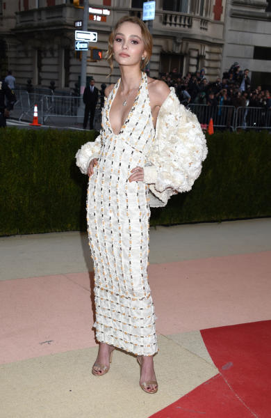 Lily Rose Depp - New York - 02-05-2016 - Taylor Swift argento vivo ai MET Gala 2016