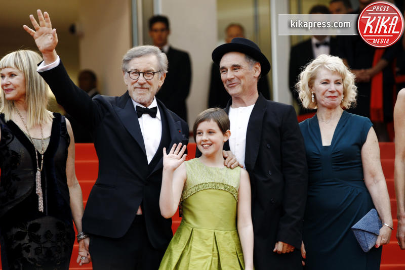 Ruby Barnhill, Claire van Kampen, Mark Rylance, Kate Capshaw, Steven Spielberg - Cannes - 14-05-2016 - Cannes 2016: protagonista è il pancione di Blake Lively