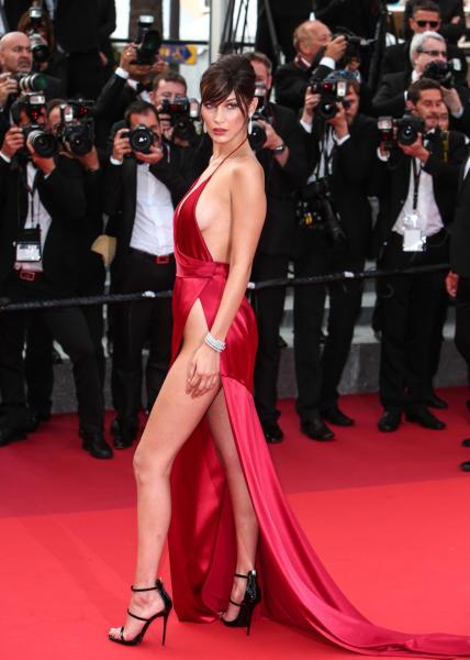 Bella Hadid - Cannes - 18-05-2016 - Spacchi estremi: da Belen a Giulia Salemi e Dayane Mello