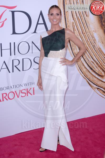 Heidi Klum - New York - 07-06-2016 - CFDA Fashion Awards 2016: un tripudio di nero e argento!