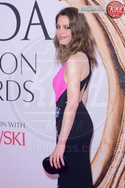 Gillian Jacobs - New York - 07-06-2016 - CFDA Fashion Awards 2016: un tripudio di nero e argento!