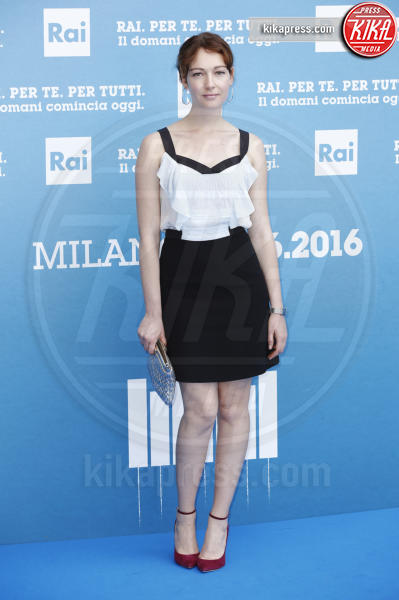 Cristiana Capotondi - Milano - 28-06-2016 - Cristiana Capotondi, matrimonio? Sì, ma degli altri!