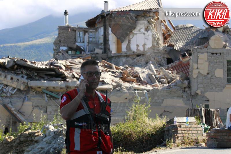 Amatrice - Amatrice - 24-08-2016 - Amatrice, l'orologio simbolo del sisma