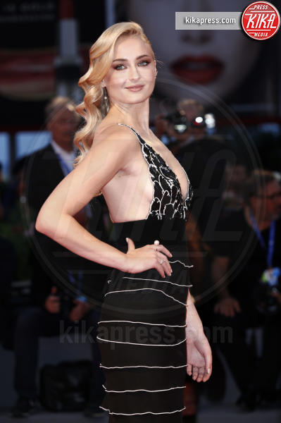 Sophie Turner - Venezia - 04-09-2016 - Fiocco di... spade! Incinta la star di Game of Thrones