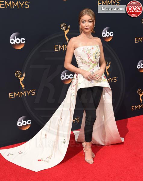 Sarah Hyland - Los Angeles - 18-09-2016 - Emmy Awards 2016: sul red carpet sfila la bellezza