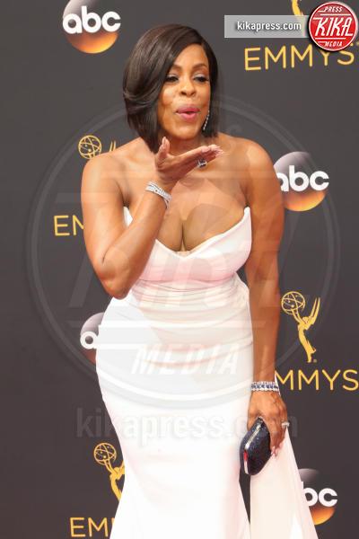 Niecy Nash - Los Angeles - 18-09-2016 - Emmy Awards 2016: sul red carpet sfila la bellezza