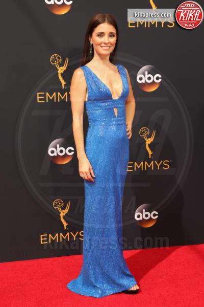Shiri Appleby - Los Angeles - 18-09-2016 - Emmy Awards 2016: sul red carpet sfila la bellezza