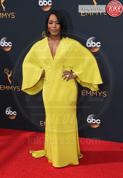 Angela Bassett - Los Angeles - 18-09-2016 - Emmy Awards 2016: sul red carpet sfila la bellezza