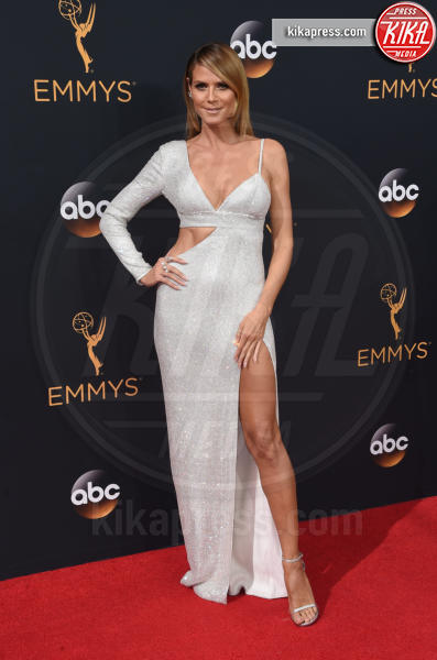 Heidi Klum - Los Angeles - 18-09-2016 - Emmy Awards 2016: sul red carpet sfila la bellezza