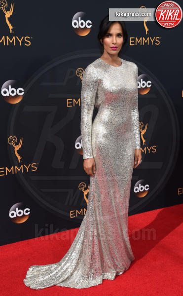 Padma Lakshmi - Los Angeles - 18-09-2016 - Emmy Awards 2016: sul red carpet sfila la bellezza
