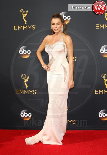 Sofia Vergara - Los Angeles - 18-09-2016 - Emmy Awards 2016: sul red carpet sfila la bellezza