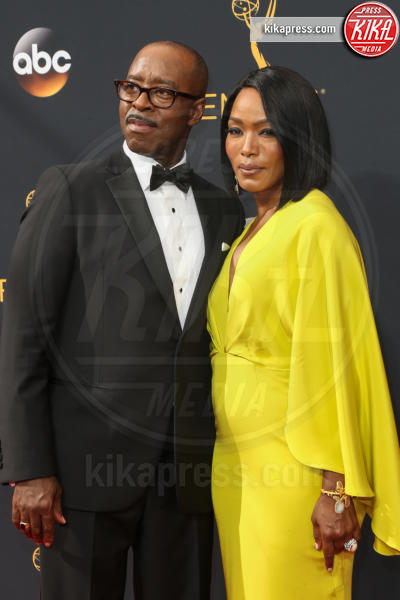 Courtney B. Vance, Angela Bassett - Los Angeles - 18-09-2016 - Emmy Awards 2016: sul red carpet sfila la bellezza