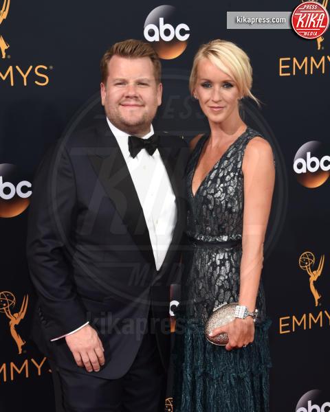 Julia Carey, James Corden - Los Angeles - 18-09-2016 - Emmy Awards 2016: sul red carpet sfila la bellezza
