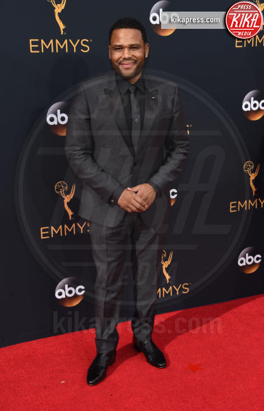 Anthony Anderson - Los Angeles - 18-09-2016 - Emmy Awards 2016: sul red carpet sfila la bellezza