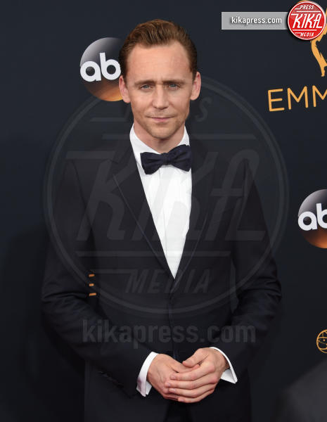 Tom Hiddleston - Los Angeles - 18-09-2016 - Emmy Awards 2016: sul red carpet sfila la bellezza