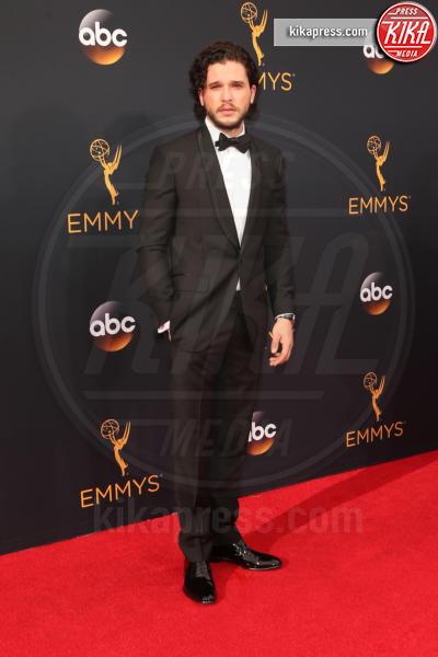 Kit Harington - Los Angeles - 18-09-2016 - Emmy Awards 2016: sul red carpet sfila la bellezza