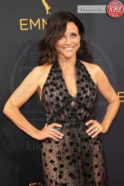 Julia Louis-Dreyfus - Los Angeles - 18-09-2016 - Emmy Awards 2016: sul red carpet sfila la bellezza