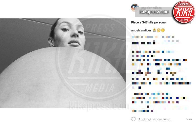 Candice Swanepoel - Los Angeles - 28-11-2016 - Quando il selfie si fa in due: non ancora al mondo ma sul web!