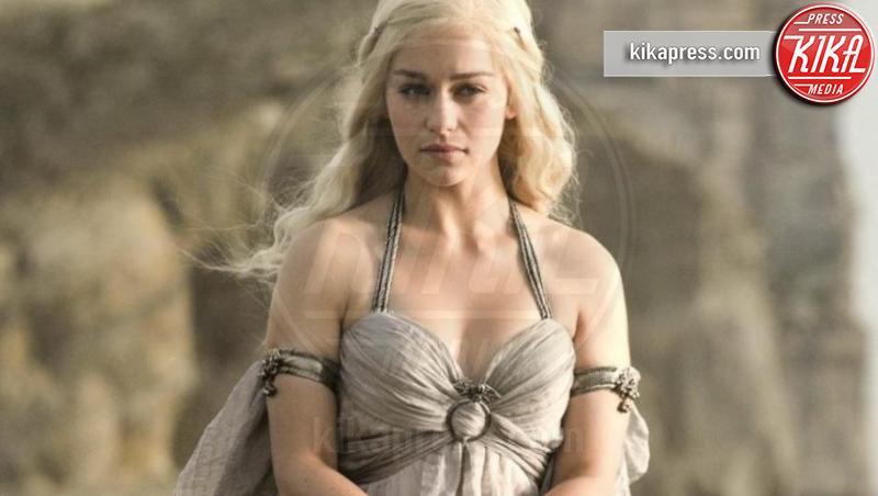 Emilia Clarke - Los Angeles - 21-12-2016 - Emmy 2019, Il Trono di Spade fa il record di nomination: 32!