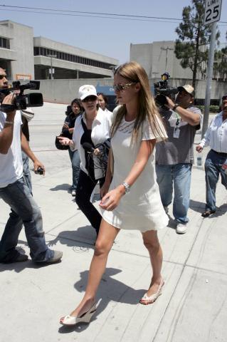 Nicky Hilton - Los Angeles - IN CARCERE PARIS HILTON HA TROVATO DIO
