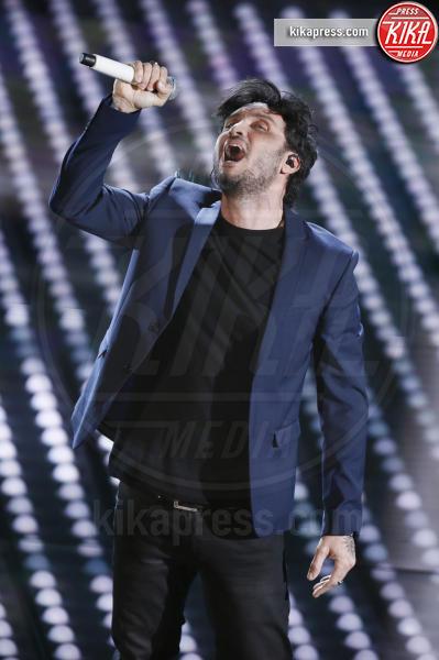 Fabrizio Moro - Sanremo - 09-02-2017 -  Sanremo 2017: show di Mika nella serata delle Cover