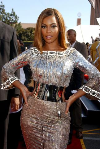 Beyonce Knowles - Los Angeles - 26-06-2007 - Cicogna in arrivo per Beyoncè?
