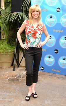 Courtney Thorne-Smith - Anaheim - 11-09-2004 - Ally McBeal si è sposata di nascosto