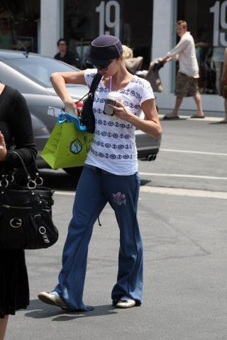 Guardaroba Di Paris Hilton.Paris Hilton E Il Guardaroba Da Record Foto Kikapress Com