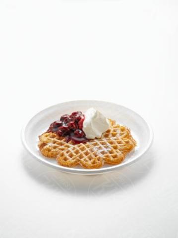 Waffle, cherries, Cream - 15-05-2017 - Waffle Day: la festa che arriva dal Nord Europa