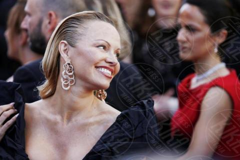 Pamela Anderson - Cannes - 20-05-2017 - Pamela Anderson, compie 50 anni la bagnina più sexy del mondo