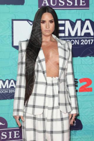 Demi Lovato - Londra - 12-11-2017 - Rivoluzione Demi Lovato, mostra il lato b senza fotoritocco
