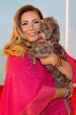 Daisy, Romina Power - Amburgo - 12-12-2017 - Bizzarrie da star: Barbra Streisand clona il suo cane