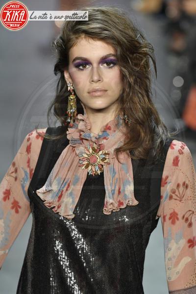 Sfilata Anna Sui, Kaia Gerber - New York - 12-02-2018 - NYFW: Gigi Hadid sfila per Anna Sui. Troppo magra? Ecco perché
