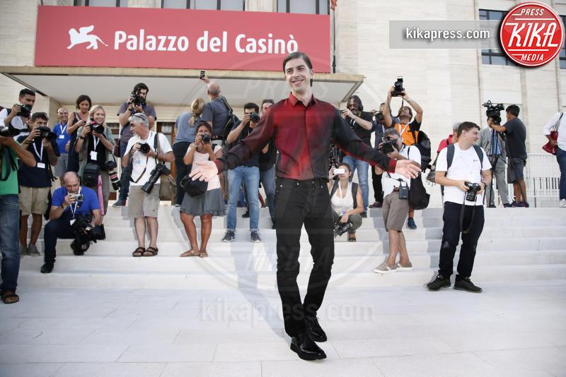 Michele Riondino - Venezia - 28-08-2018 - Venezia 75: Michele Riondino, un padrino in versione dandy