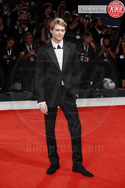 Joe Alwyn - Venezia - 30-08-2018 - Venezia 75: Emma Stone, sul red carpet è lei La Favorita
