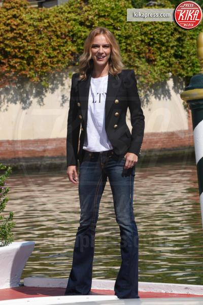 Antonia Liskova - Venezia - 03-09-2018 - Venezia 75: Chiara Iezzi & Co, al Lido sbarcano gli italiani