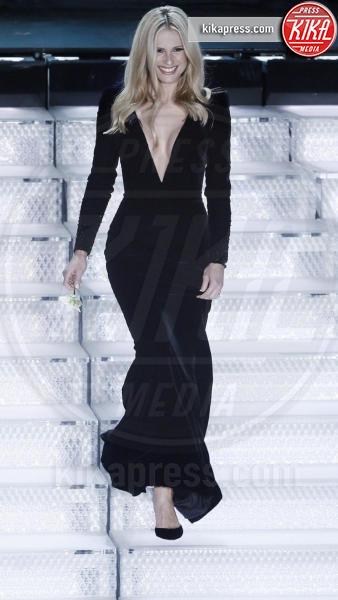 Wanda Nara-Michelle Hunziker: chi lo indossa meglio, con furto?